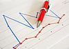 ID 3015790 | Czerwone pióro na diagramie | Foto stockowe wysokiej rozdzielczości | KLIPARTO