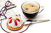 ID 3013807 | Filiżanka herbaty i kawałek ciasta | Foto stockowe wysokiej rozdzielczości | KLIPARTO