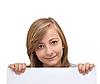 ID 3013987 | Красивая девушка держит плакат для текста | Фото большого размера | CLIPARTO