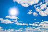 ID 3015276 | Sonne und weiße Wolken im Himmel | Foto mit hoher Auflösung | CLIPARTO