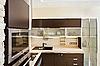 Фото 300 DPI: Современный интерьер кухни с деревянной мебелью