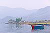 ID 3017025 | Ein blaues Boot auf Phewa See | Foto mit hoher Auflösung | CLIPARTO