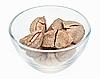 ID 3024458 | Orzechy brazylijskie w szklanej misce na białym tle | Foto stockowe wysokiej rozdzielczości | KLIPARTO