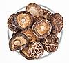 ID 3024462 | Suszone grzyby polowe w szklanej miseczki wyizolowanych na białym tle | Foto stockowe wysokiej rozdzielczości | KLIPARTO