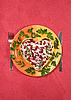 ID 3024473 | Dni sałatka Walentynki z języka wołowiny na czerwonym obrus | Foto stockowe wysokiej rozdzielczości | KLIPARTO