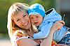 ID 3027507 | Glückliche Mutter und Baby | Foto mit hoher Auflösung | CLIPARTO