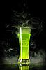 ID 3019971 | Grüner radioaktiver Alkohol mit Biogefahr-Symbol | Foto mit hoher Auflösung | CLIPARTO
