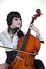 ID 3020516 | Atrakcyjna dziewczyna gra na wiolonczeli | Foto stockowe wysokiej rozdzielczości | KLIPARTO