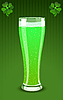 grüner Bierglas
