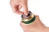 ID 3023231 | Mann öffnet Dose Bier | Foto mit hoher Auflösung | CLIPARTO