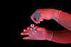 ID 3023260 | Hand hält Beweisstück | Foto mit hoher Auflösung | CLIPARTO