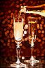ID 3023455 | Champagne wlewanie do elegancki szkła | Foto stockowe wysokiej rozdzielczości | KLIPARTO