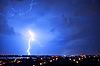 ID 3019813 | Gewitter und Blitz über Stadt | Foto mit hoher Auflösung | CLIPARTO