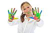 面带微笑的女孩用手掌涂上油漆 | 免版税照片