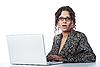 ID 3023073 | Schöne Geschäftsfrau liest schlechte Nachricht | Foto mit hoher Auflösung | CLIPARTO