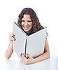 ID 3023076 | Piękna młoda kobieta posiadania laptopa | Foto stockowe wysokiej rozdzielczości | KLIPARTO