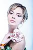 ID 3023161 | Schöne junge Frau mit Blume | Foto mit hoher Auflösung | CLIPARTO