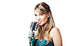 ID 3024221 | Hübsches Mädchen singend in Retro-Mikrofon | Foto mit hoher Auflösung | CLIPARTO