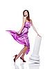 Młoda piękna kobieta na sobie sukienkę liliowy | Stock Foto