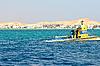 ID 3026434 | Gelbes U-Boot für Exkursionen | Foto mit hoher Auflösung | CLIPARTO