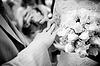 Close-up z nowo żonaty zakładanie pierścieni | Stock Foto