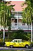 ID 3056710 | Stary żółty samochód | Foto stockowe wysokiej rozdzielczości | KLIPARTO