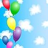 Bunte Luftballons im blauen Himmel mit Wolken