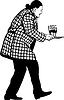 Mann im Mantel trägt drei Gläser mit Wein