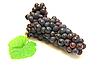 ID 3068712 | Czarny winogron z zielonym liściem | Foto stockowe wysokiej rozdzielczości | KLIPARTO