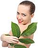 Красивая женщина с листьями | Фото