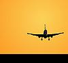 Lądowanie samolotu | Stock Vector Graphics