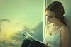 ID 3280125 | Młody czytanie książki Kobieta siedzi na oknie | Foto stockowe wysokiej rozdzielczości | KLIPARTO