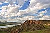 Bergfluss und bewölkter Himmel | Stock Foto