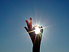 ID 3096821 | 女手和明亮的阳光剪影 | 高分辨率照片 | CLIPARTO