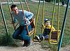 ID 3111156 | Отец и сын на качелях | Фото большого размера | CLIPARTO