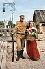 ID 3158907 | Para dama i żołnierz w stylu retro | Foto stockowe wysokiej rozdzielczości | KLIPARTO