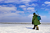 ID 3113449 | Ice Fisherman weg | Foto mit hoher Auflösung | CLIPARTO