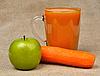 ID 3122676 | Apfel Karotte und ein Glas Saft | Foto mit hoher Auflösung | CLIPARTO