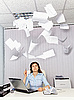 ID 3145028 | Büroangestellte und das lästige Dokumentation | Foto mit hoher Auflösung | CLIPARTO