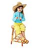 ID 3145614 | Kleines Mädchen in Strohhut sitzt auf hölzernen Stuhl | Foto mit hoher Auflösung | CLIPARTO