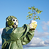 ID 3147071 | Mann in Gasmaske mit Pflanze | Foto mit hoher Auflösung | CLIPARTO