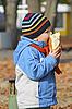 ID 3155633 | Junge isst Brot | Foto mit hoher Auflösung | CLIPARTO