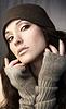 니트 모자에 여자 | Stock Foto