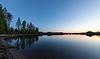 蓝湖和天空,日出 | 免版税照片