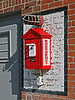 벽돌 벽에 빨간 불 경보 국 | Stock Foto