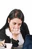 ID 3360297 | Pracownik biurowy z zamyślonym spojrzeniem przed laptopem | Foto stockowe wysokiej rozdzielczości | KLIPARTO
