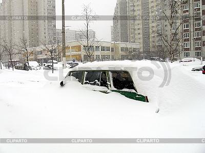Auto im Schnee | Foto mit hoher Auflösung |ID 3011926