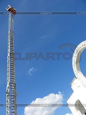 Wysoka drabina pożarnicza | Foto stockowe wysokiej rozdzielczości |ID 3012134