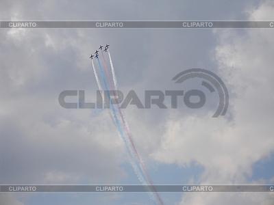 Red Arrows Hawk T1 w na niebie | Foto stockowe wysokiej rozdzielczości |ID 3369342