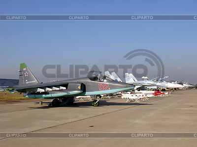 Wojskowe myśliwce | Foto stockowe wysokiej rozdzielczości |ID 3369716